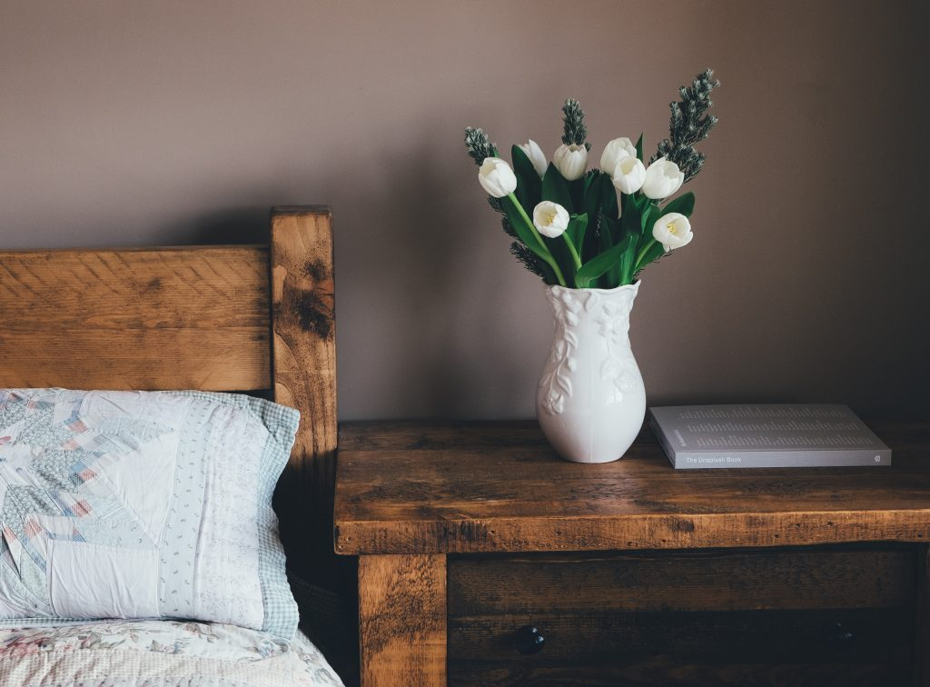 Wooden features for nature-themed bedroom