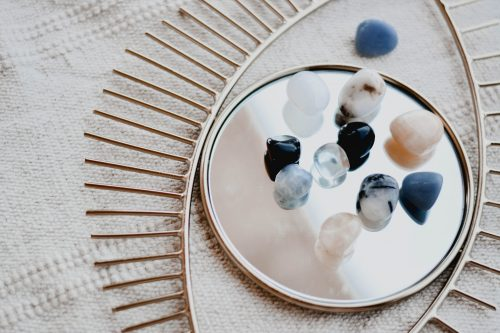 crystals for your nature-inspired room decor ideas