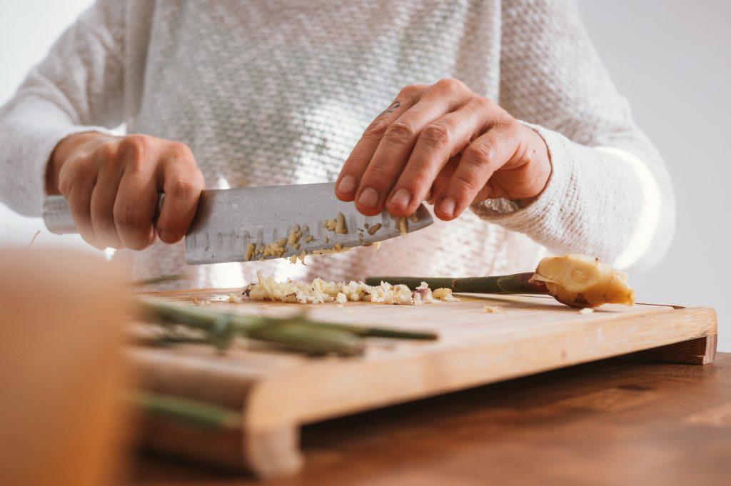 uni kitchen essentials with sharp knife
