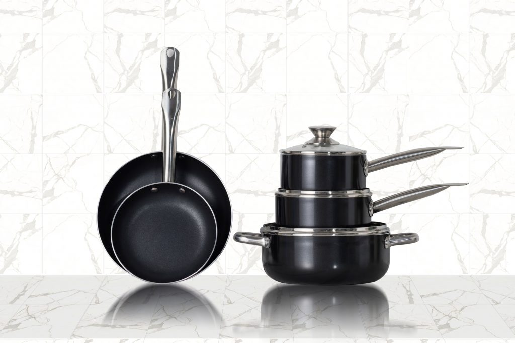 pots and pans that suit a student home